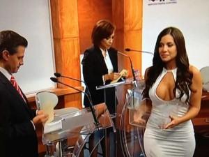 Julia-Orayen-Primer-Debate-Presidencial-México-2012